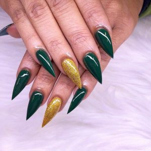 shiny shellac nails with pointed shape