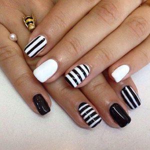 stripy patten nail design